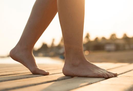 Biomecânica do hálux: Caminhada descalça, extensão do hálux.